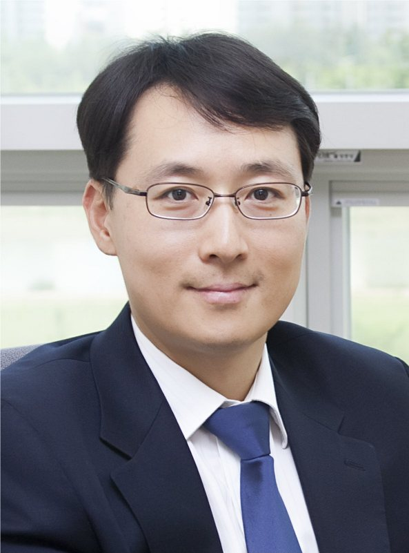 Jun-Bo Yoon portrait